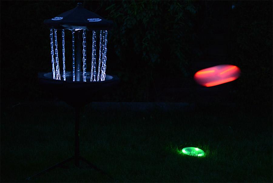 Disc Golf bei Nacht
